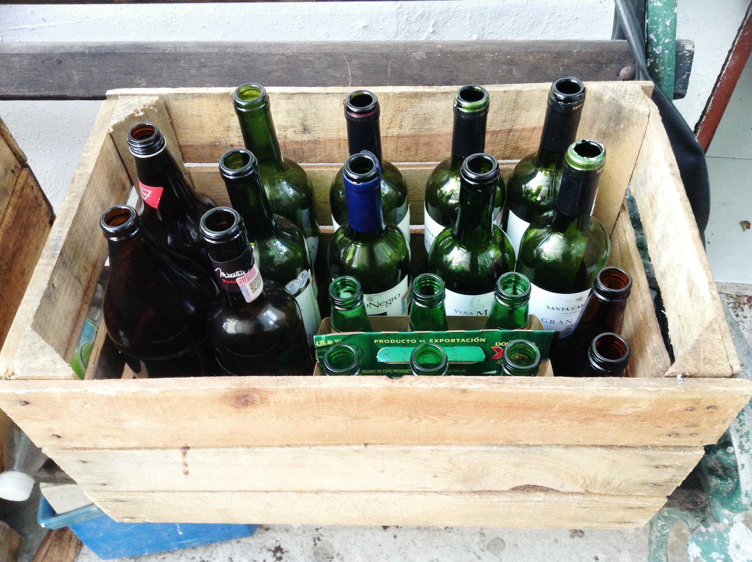 upcycling revaloriser le verre et le m tal. Black Bedroom Furniture Sets. Home Design Ideas